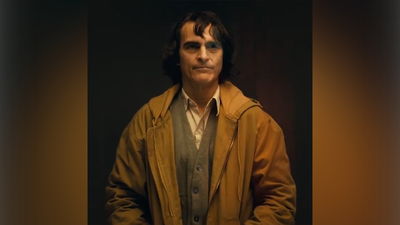 See Joaquin Phoenix in Joker makeup