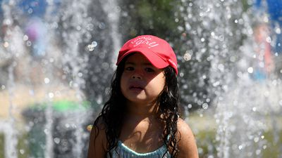 Scorching temperatures reach 40 degrees before 11am