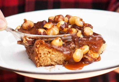 Caramel apple and hazelnut tray cake