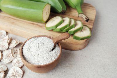 Green banana flour