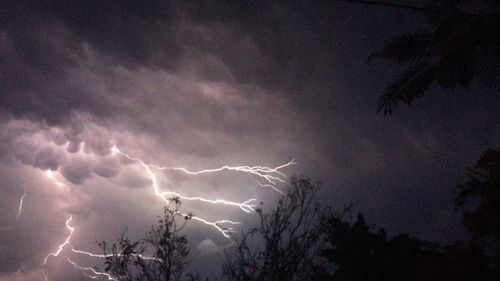 Severe thunderstorm warning cancelled after cells rolled over south-east Queensland