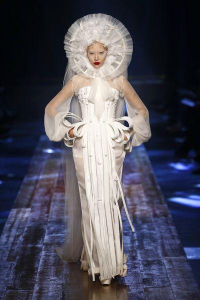 <p>Modern Madonna</p> <p>Jean Paul Gaultier, haute couture autumn/winter, '16/'17, Paris Fashion Week</p>