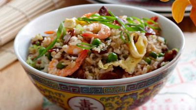 "Recipe:&nbsp;<a href=""http://kitchen.nine.com.au/2016/05/16/12/56/best-fried-rice"" target=""_top"">Best fried rice</a>"