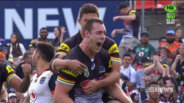 Panthers stun Warriors