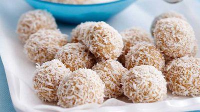 "<a href=""http://kitchen.nine.com.au/2016/05/16/18/04/chocolate-truffles"" target=""_top"">Chocolate truffles</a>"