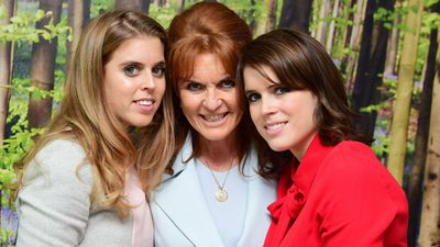 Princess Beatrice, Sarah Ferguson and Princess Eugenie visit patients in a London hospital, December 2016