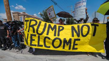Protesters in El Paso make their opinions on Donald Trump known.