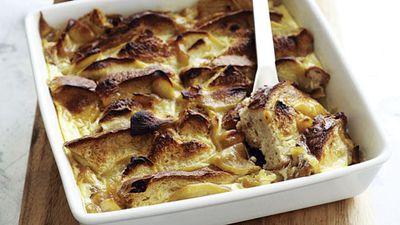 "Recipe:<a href=""http://kitchen.nine.com.au/2016/05/17/11/38/apple-bread-pudding"" target=""_top"" draggable=""false"">Apple bread pudding</a>"