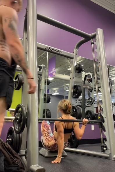 Fitness influencer TikTok video gym fail fall