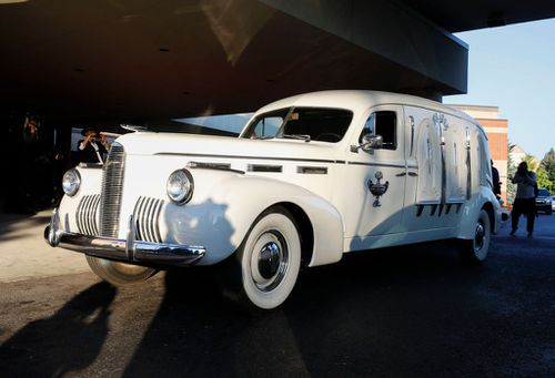Earlier, Franklin's casket was transported in the same hearse as civil rights movement pioneer Rosa Parks.