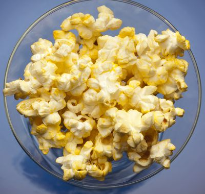 <strong>Microwave popcorn</strong>