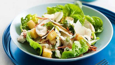 <strong>Chicken caesar salad</strong>