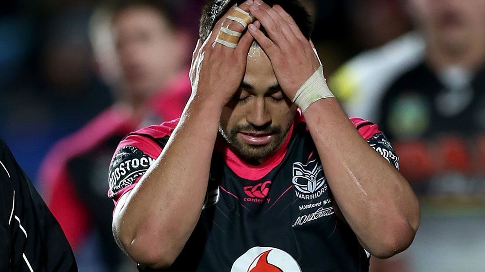 NRL season in doubt for Shaun Johnson after suffering knee injury in loss to Panthers