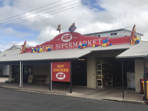 The township of Keith embraced the Crows spirit. (@alicemonfries)