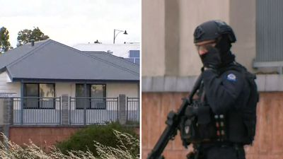 Man arrested after threatening to detonate explosives in Perth siege