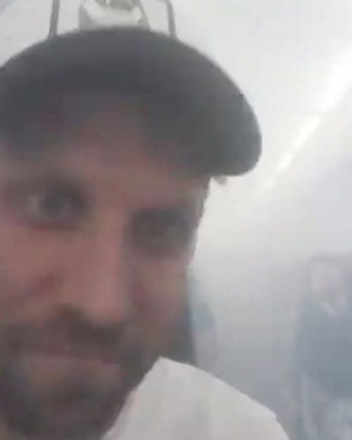 Spanish sports journalist Dani Meroño Bori tweeted a number of videos from the flight. He said he and others had been forced to leave the plane using the emergency slides.