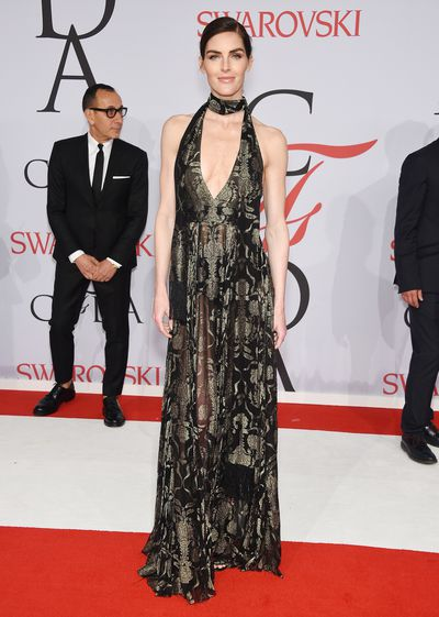 Hilary Rhoda in&nbsp;J. Mendel<br />