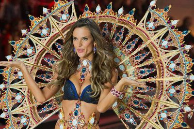 Alessandra Ambrosio had to commit to some serious strength training before she could hit the catwalk this year, since her costume was the heaviest in history – clocking in at over 13kgs.