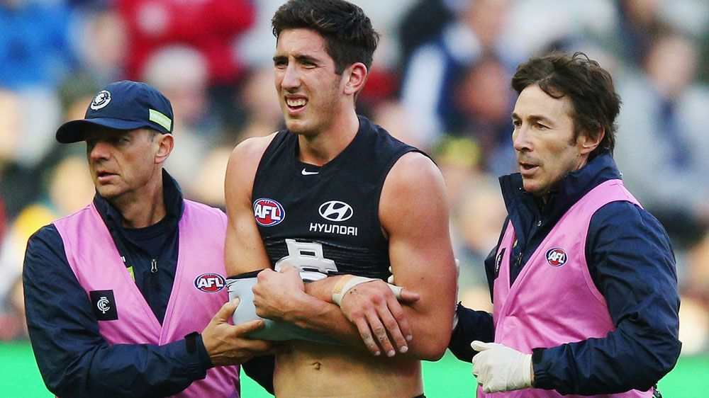 Carlton grind out AFL win over Essendon