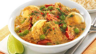 "Recipe:&nbsp;<a href=""http://kitchen.nine.com.au/2016/05/05/11/09/chicken-and-egg-korma"" target=""_top"">Chicken and egg korma</a>"