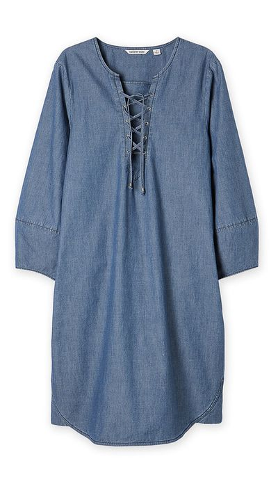 "<a href=""http://www.countryroad.com.au/shop/woman/clothing/dresses/60185129/Denim-Tie-Front-Dress.html"" target=""_blank"">Dress, $149, Country Road</a>"