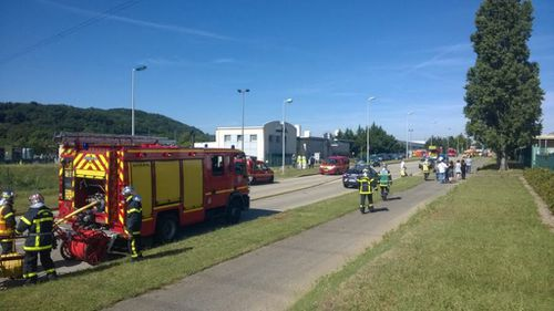 Man reportedly beheaded at a gas factory in France. (Twitter, @vdhollande)