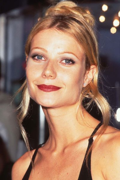 The artful placement of strands of hair is a favourite of Oscars hairstylists. Here is Gwyneth Paltrow at the 1996 Academy Awards giving the trend a whirl.