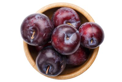 Whole plums: 10g sugar per 100g