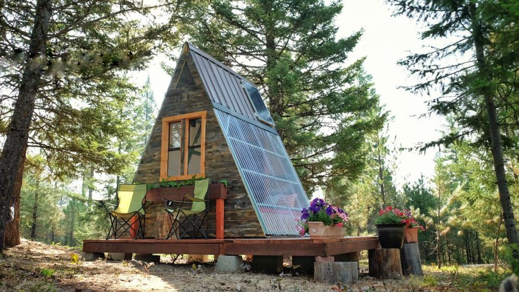 A tiny A-frame cabin that cost just $880 and three weeks to build