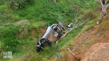 Good Samaritan rescues trapped driver in South Australia