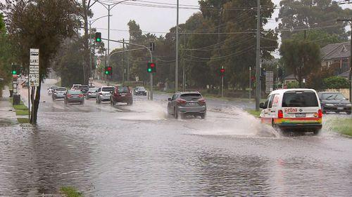 شهدت ملبورن هطول أمطار غارقة بين عشية وضحاها ، حيث تلقت المدينة أكبر هطول للأمطار في شهر أكتوبر منذ عشر سنوات