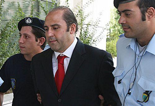 Tony Mokbel and Greek police (AAP)