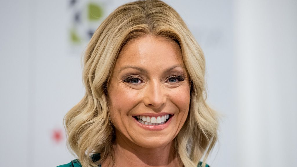 Kelly Ripa says Botox left her unable to smile for six months. Image: Getty.