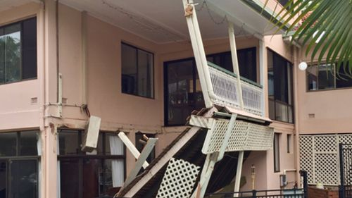 Nine people were injured in the Brisbane balcony collapse. (Twitter / @HowieBennett9)