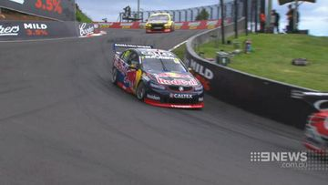 Whincup snares pole at Mt Panorama