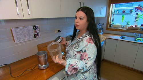 Shantelle Kriaris has told 9NEWS she's been left with severe cuts and tendon damage after using the NutriBullet.