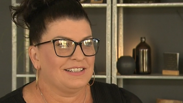 Perth mother makes thousands online