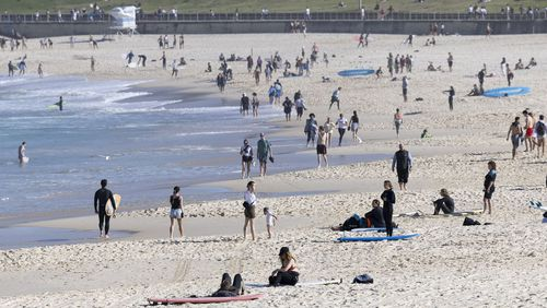 Bondi beach crowds in Sydney during lockdown.