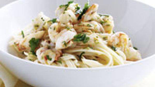 Linguine with garlic prawns