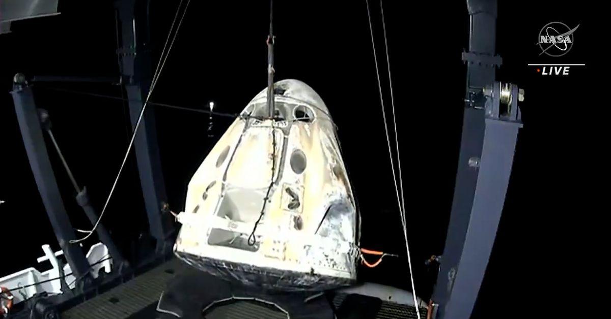 SpaceX returns four astronauts to Earth rare night splashdown – 9News