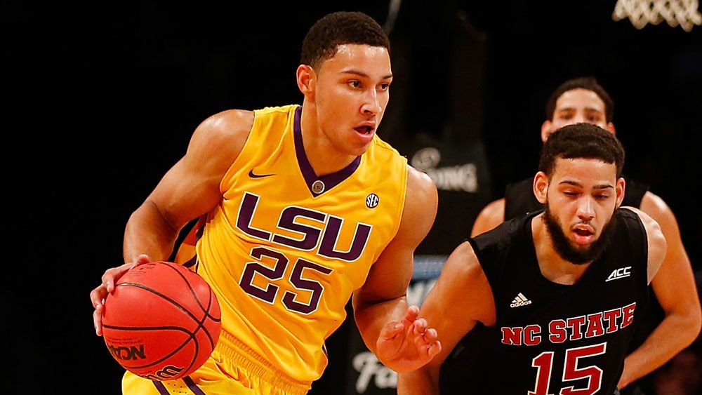 Simmons continues to dominate for LSU