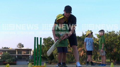 Warner will travel around the Top End to meet with budding cricketers. (9NEWS)