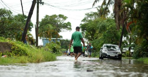 Cyclone Yasa: Fiji braces as powerful storm reaches land
