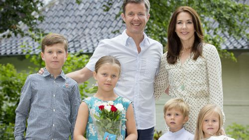Gold Coast lifeguard comes to the aid of Princess Mary's son