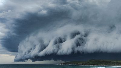 <p>A severe thunderstorm warning has been issued for the NSW Central Coast with dark storm clouds rolling in over Sydney.</p><p>Storm clouds roll in over Maroubra Beach in Sydney's eastern suburbs. (Supplied, Leanne McDonald)</p><p><strong>Click through the gallery to see more photos of the storm clouds over Sydney.</strong></p>