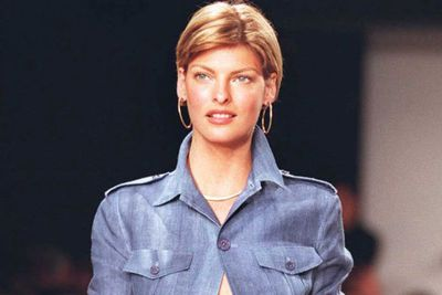"At the height of her fame, Linda Evangelista was best known for saying she didn't get ""out of bed for less than $10,000"". The funniest part? It was totally true. <br/><br/>Discovered by a talent agent at the 1978 Miss Teen Niagara beauty pageant, the supermodel caused controversy by cutting off all her hair in the early '90s. <br/><br/>Because of the new 'do, all  her runway shows were cancelled... with editorial picking her up because women worldwide wanted to copy her new look. <br/>"