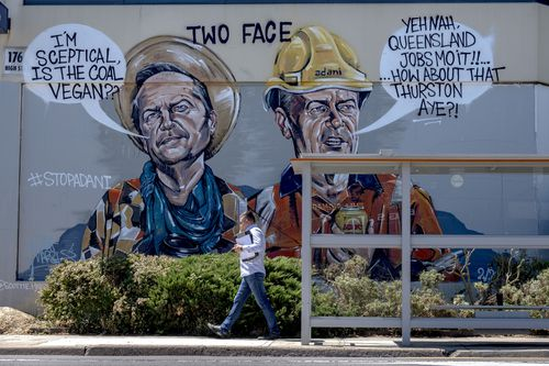 "A mural accusing Bill Shorten of being ""two faced"" has appeared in the hotly contested Melbourne electorate of Batman. (AAP)"