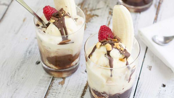 Banana split cups_recipe