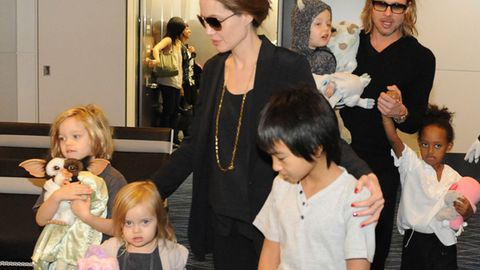 Angelina Jolie took her son to meet his Vietnamese grandma