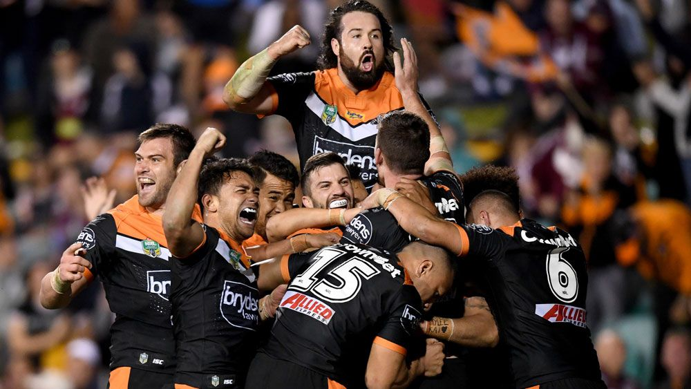 Wests Tigers stun Manly with last-gasp win at Leichhardt Oval